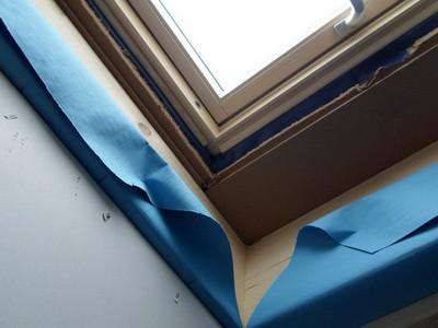 Sachverständiger Hausbau Baubegleiter Dämmung am Dachfenster prüfen