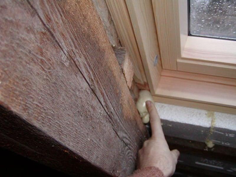schwarzer schimmel dachfenster Dachfenster schwarzer Schimmel infolge zu geringer Einbaubreite am Verluxfenster, Kosten der Sanierung