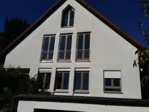 schwarzer schimmel am dachfenster. Black Bedroom Furniture Sets. Home Design Ideas